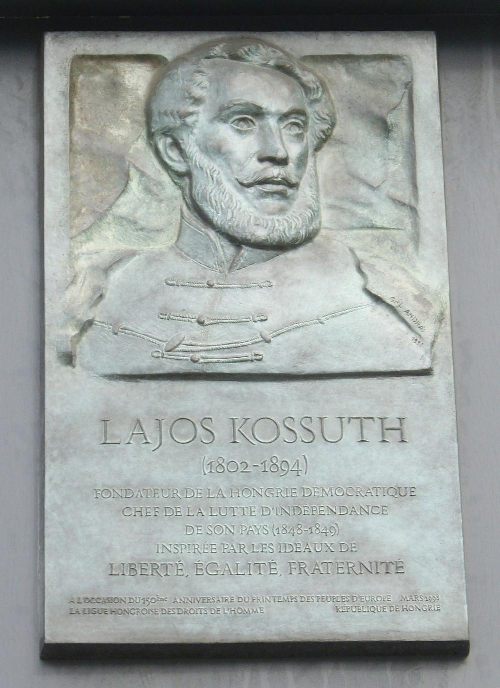 Plaque_Lajos_Kossuth,_Place_Kossuth,_Paris_9