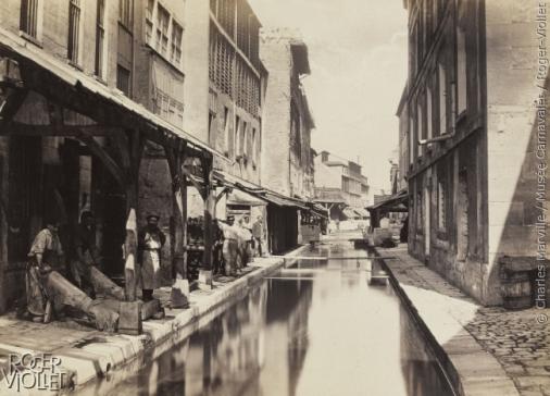 """""""Tanneries au bord de la Bièvre, vers 1865"""". Paris (XIIIème arr.). 1865-1868. Photographie de Charles Marville (1813-1879). Paris, musée Carnavalet. Dimensions: 26,50 x 36,80"""